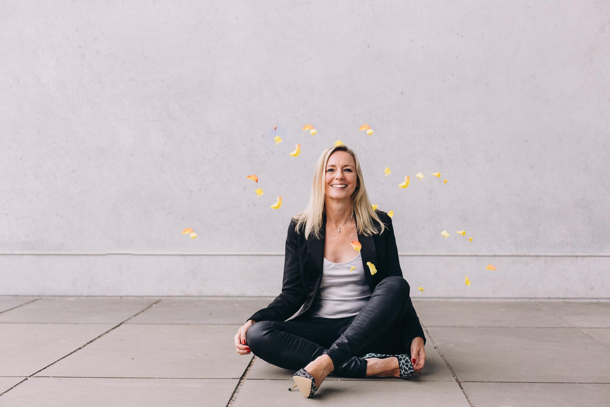 Julie Leonard Happiness Evangelist